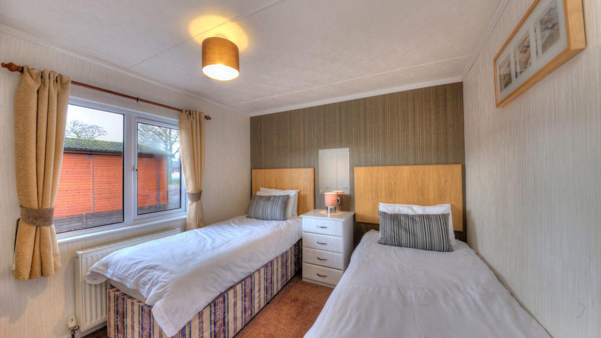 Willow 5 Berth Luxury Lodge Twin Bedroom