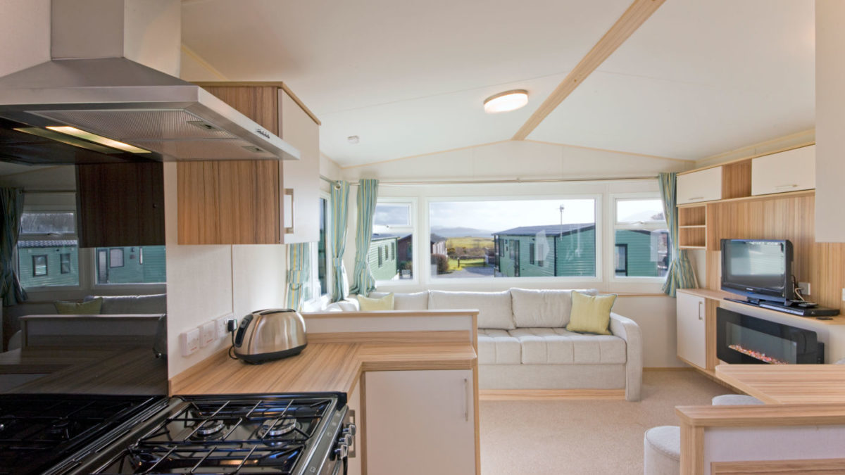4-Berth-Summerbreeze-Caravan-Oban-Scotland-1200×675