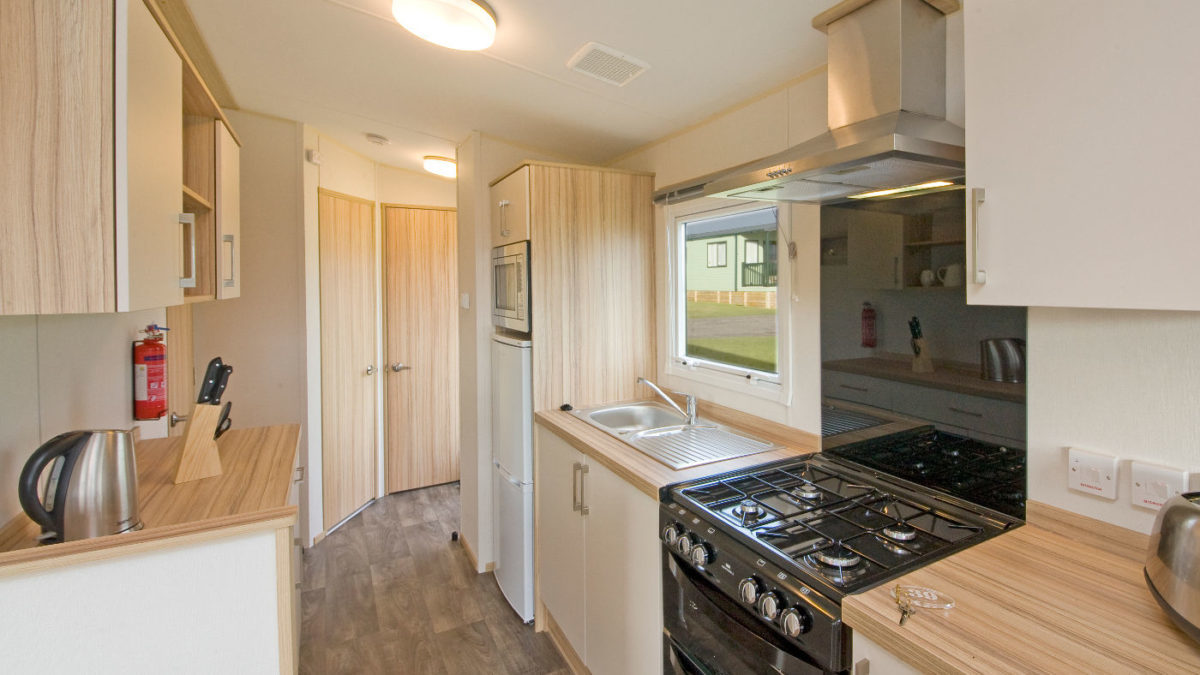 Summerbreeze-new-caravan-kitchen-Oban-Scotland-1200×675